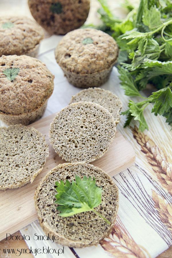 Bułki pszenne z pokrzywą