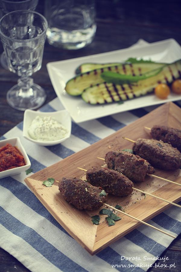 Cevapici – bałkańskie szaszłyki z mielonego mięsa