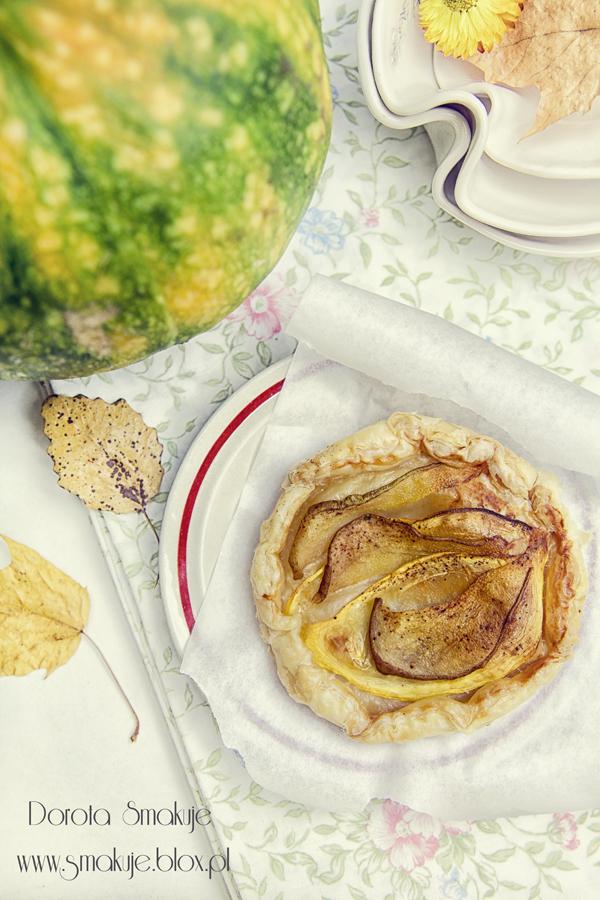 Ciasto francuskie z gruszkami i dynią