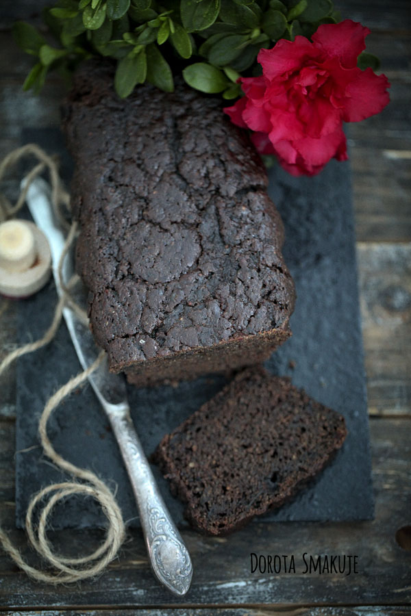 Ciasto z karobem <br>– wegańskie, fit