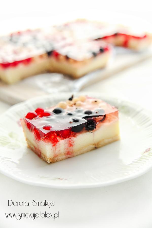 Ciasto z kaszy manny z porzeczkami i galaretką – bez pieczenia