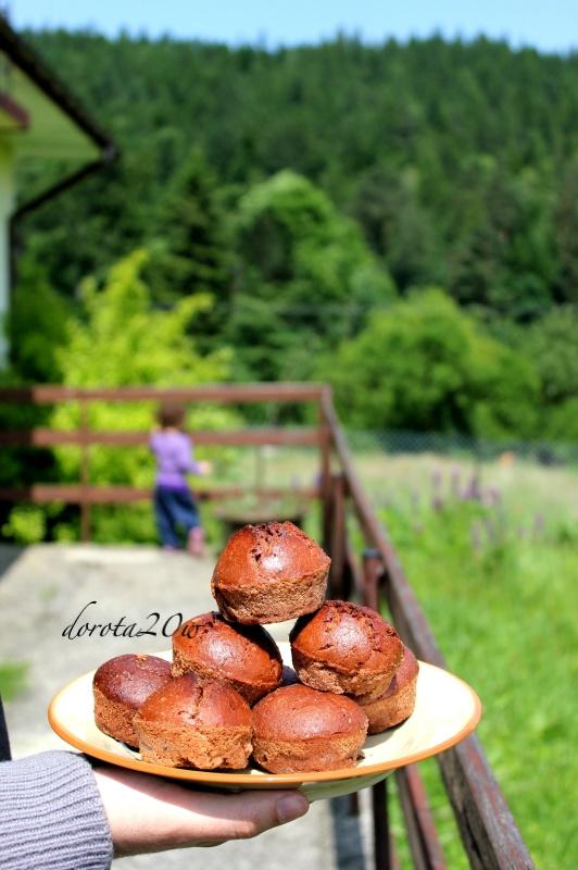 czekoladowe muffinki razowe
