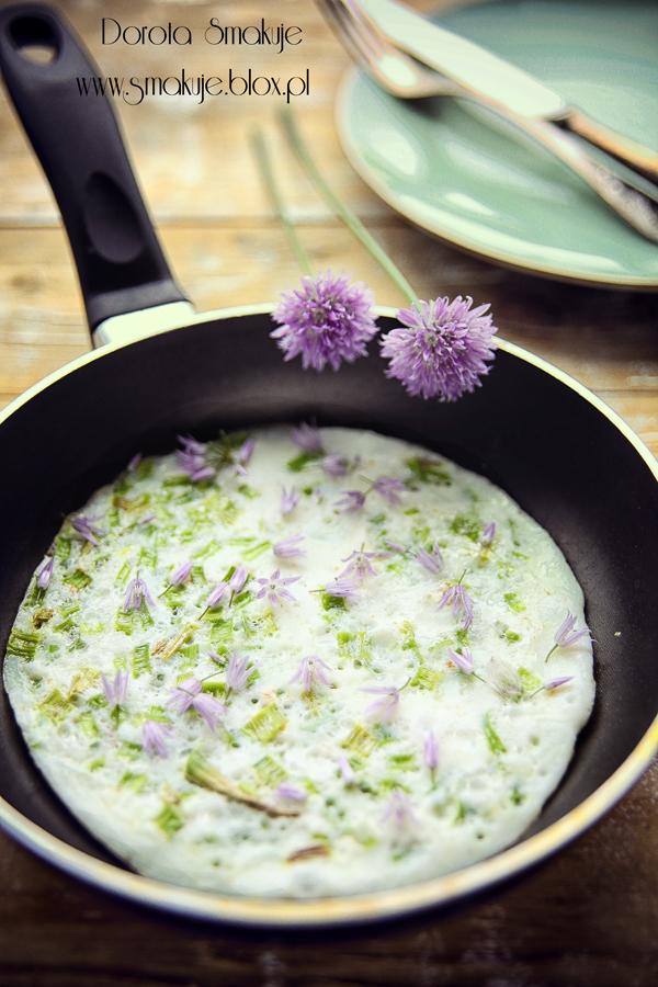 Dietetyczny omlet ze szczypiorkiem (na białkach)