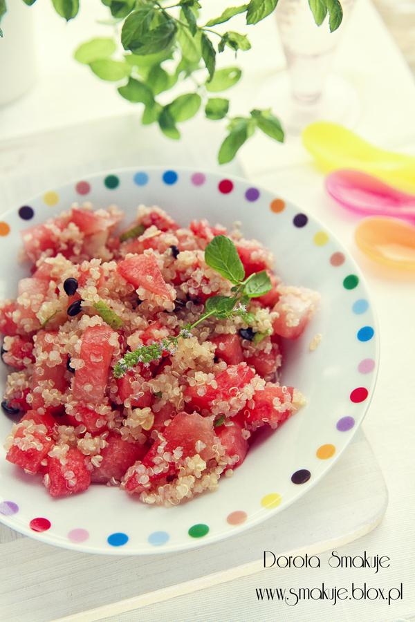 Sałatka z arbuzem i quinoa