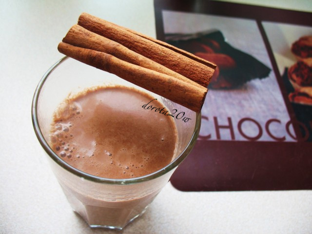 korzenna czekolada n gorąco