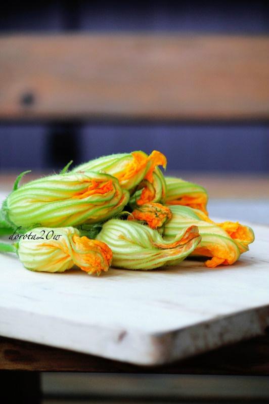 Kwiaty dyni smażone w cieście serowym