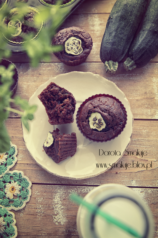 Muffinki czekoladowe z cukinią