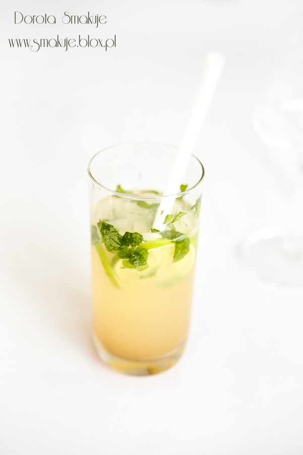 Orzeźwiający koktajl z mięta i sokiem z limonki – bezalkoholowe Mojito