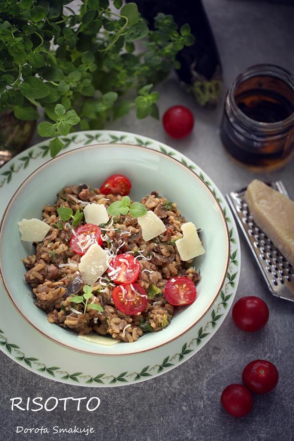 Risotto z bakłażanem, suszonymi pomidorami i oliwą truflową