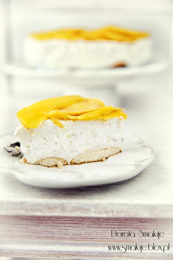 Sernik orzechowy z mango