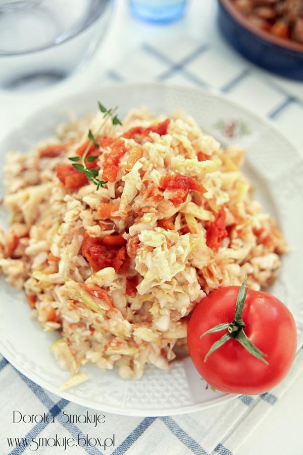 Surówka z kapusty pekińskiej z pomidorami