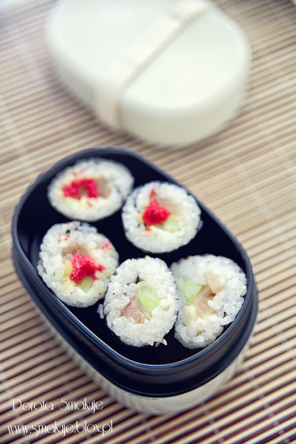 Sushi maki z pstrągiem