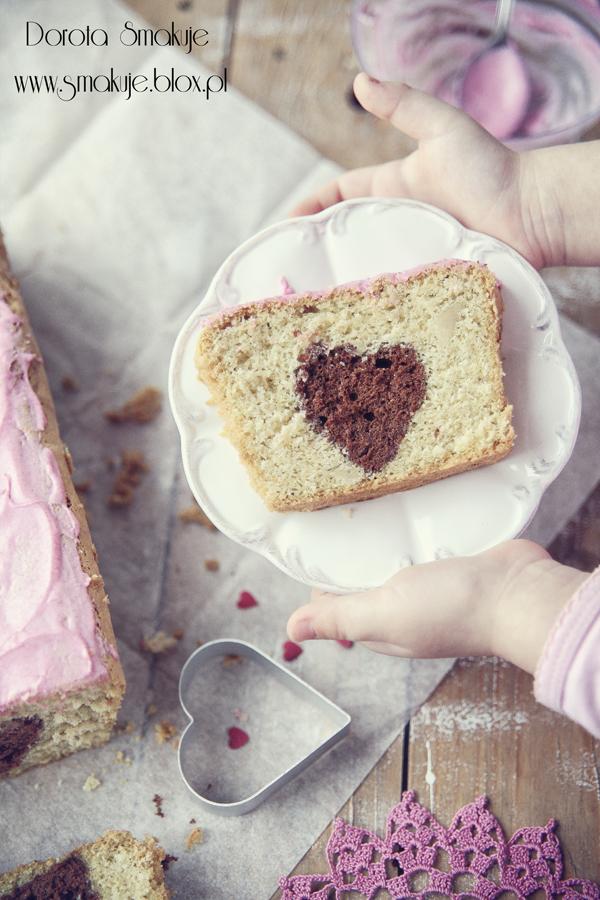 Walentynkowe ciasto z serduszkiem