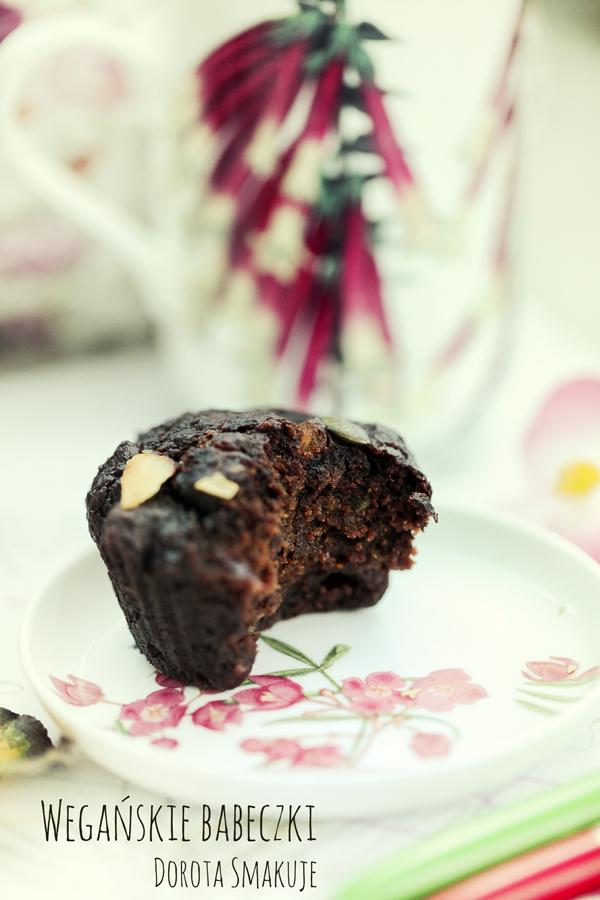 Wegańskie babeczki czekoladowe z burakiem