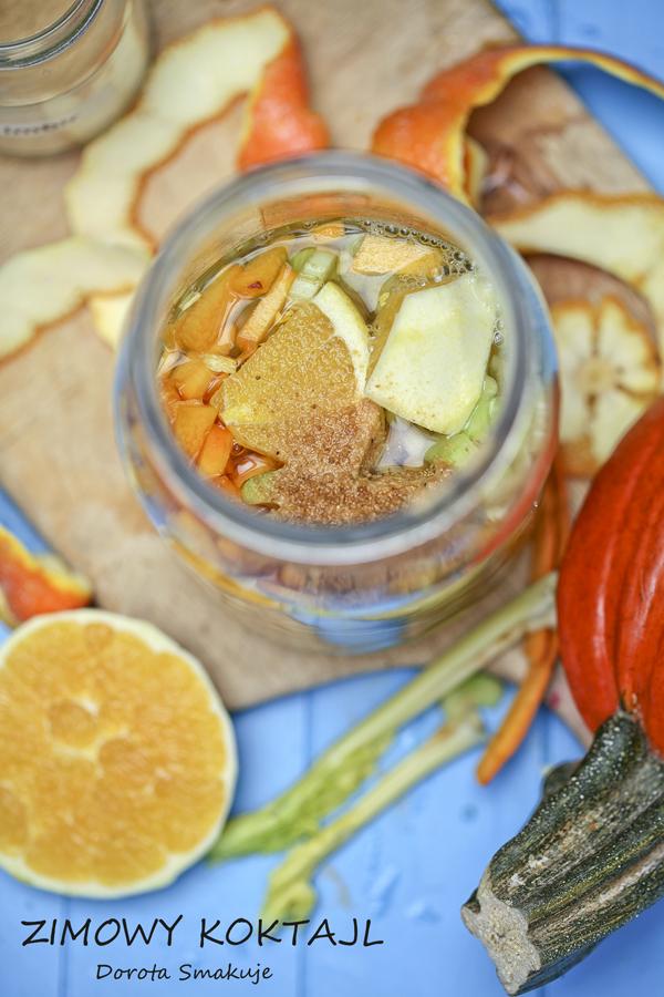Zimowy koktajl z pomarańczą, selerem, dynią i imbirem