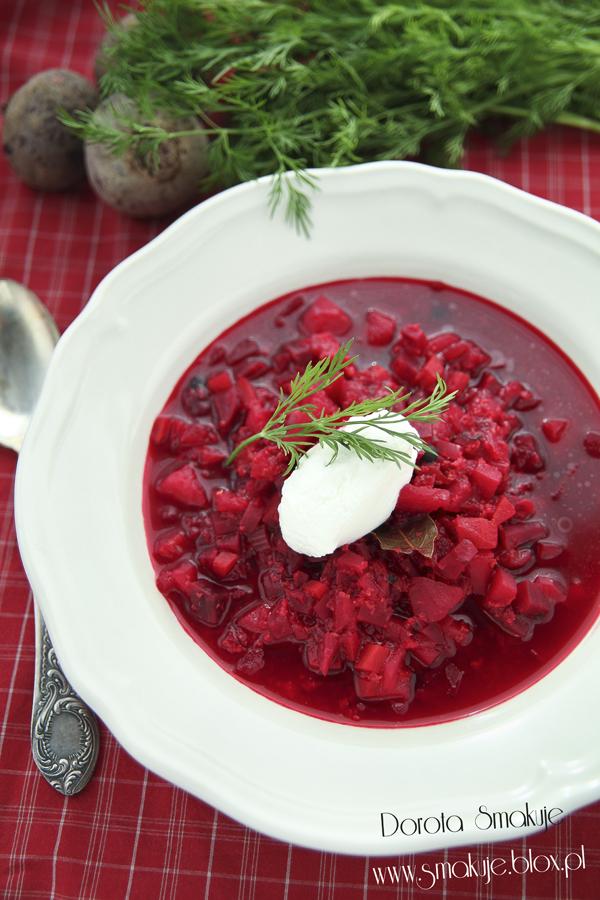 Zupa buraczkowa z kaszą jaglana i kozim serem