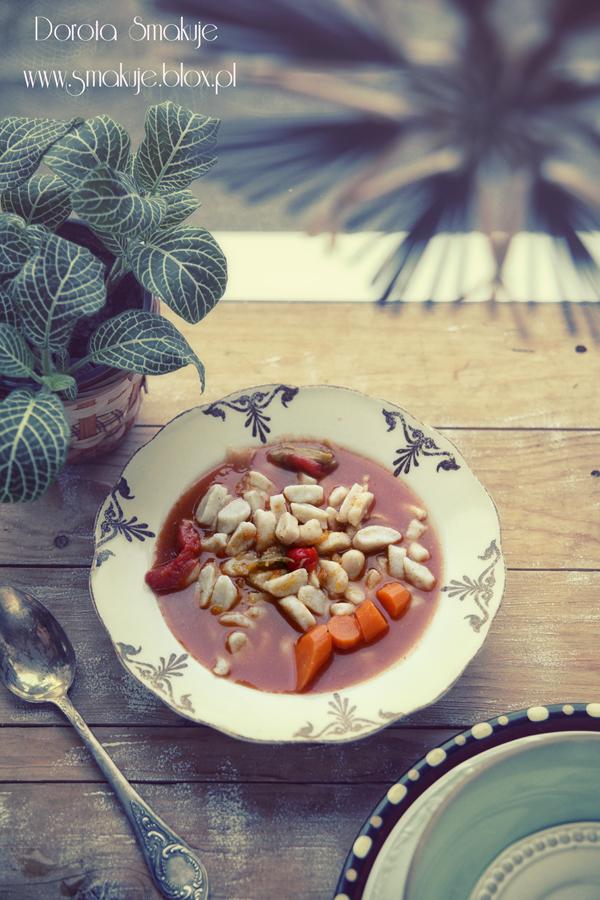 Zupa pomidorowa z kluseczkami ziemniaczanymi