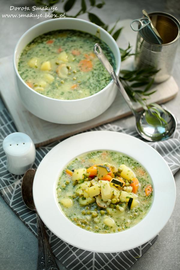 Zupa z młodych ziemniaków z groszkiem i mlekiem kokosowym