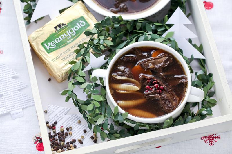 Zupa z suszonych borowików - przepis