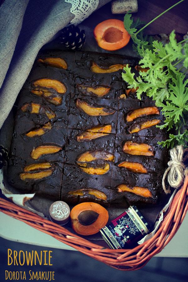 Brownie czekoladowe z morelami