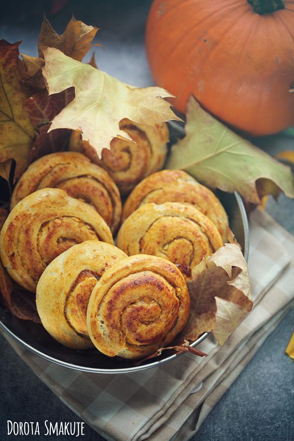 Drożdżowe ślimaczki dyniowe