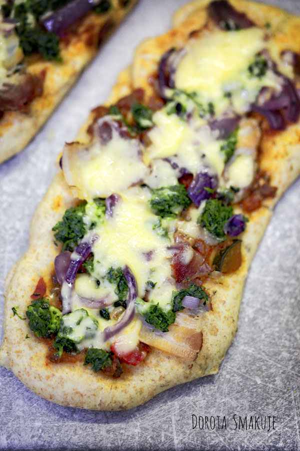 Pełnoziarniste pizzerinki ze szpinakiem