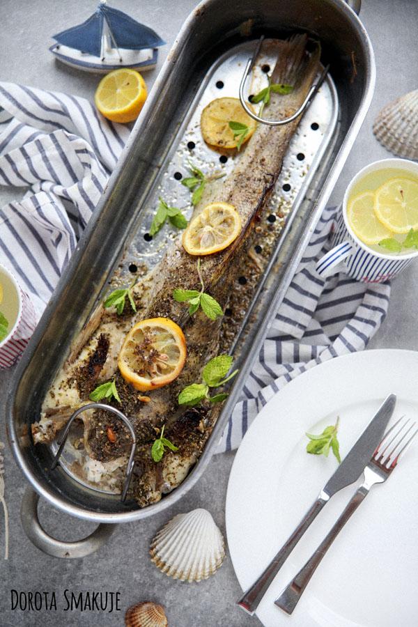 Ryba pieczona w całości