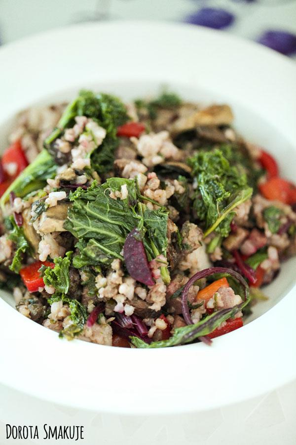 Ryż smażony z botwinką i jarmużem