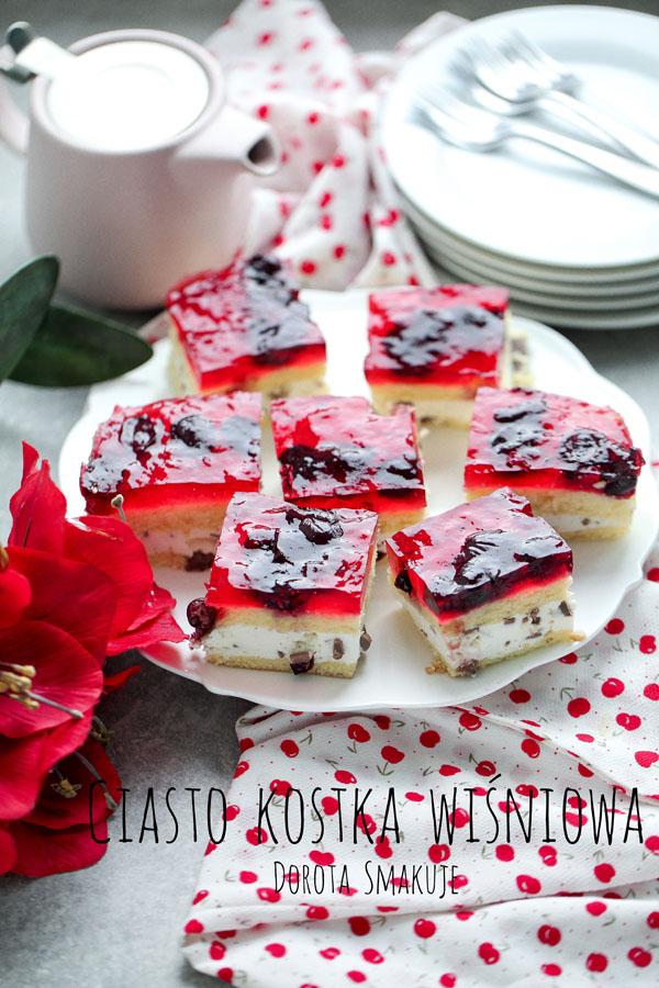 Ciasto kostka wiśniowa - ciasto z bitą śmietaną i wiśniami