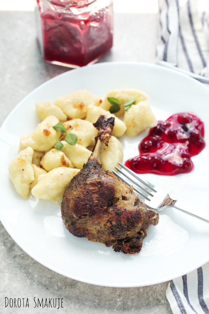 Kaczka z żurawiną i kopytkami Świąteczny obiad