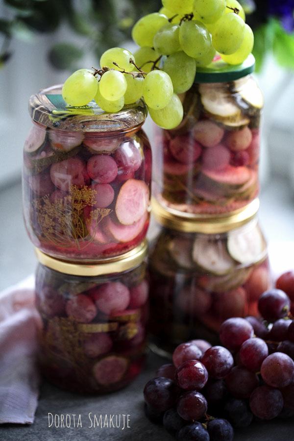 Ogórki konserwowe z winogronami