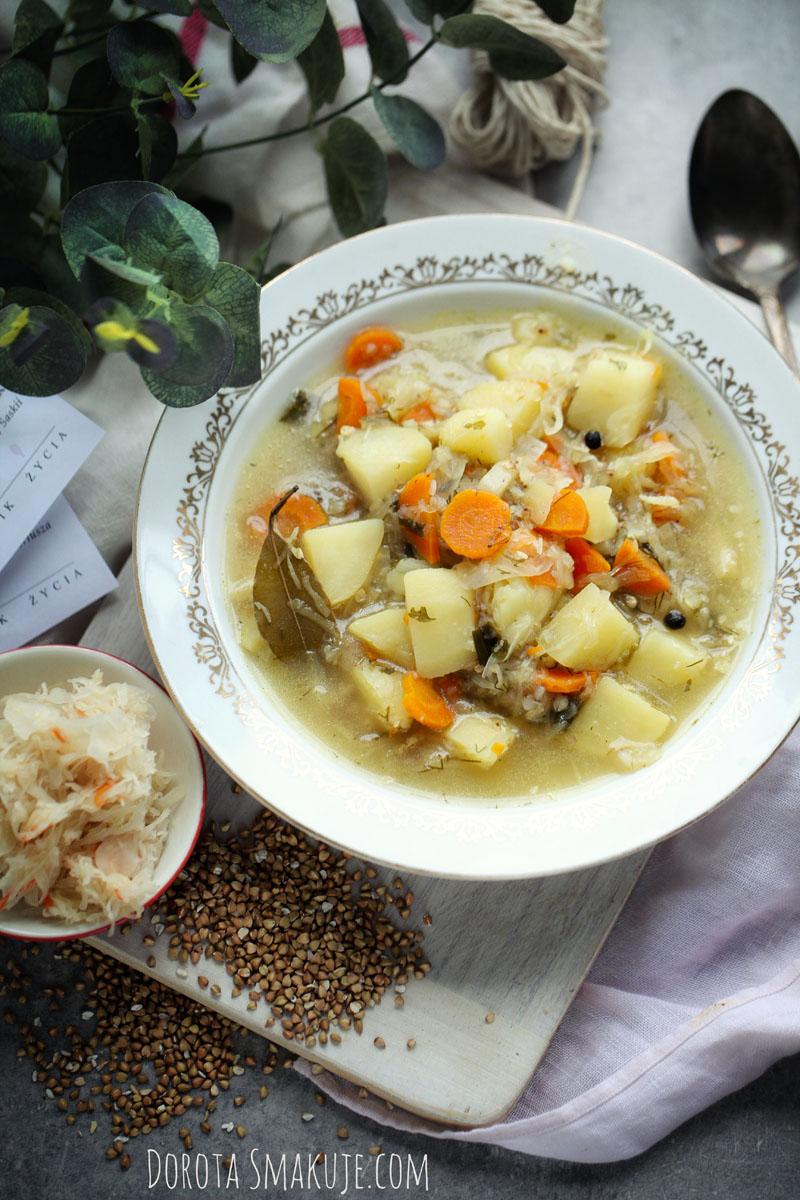 Zupa kapuśniak z kaszą gryczaną