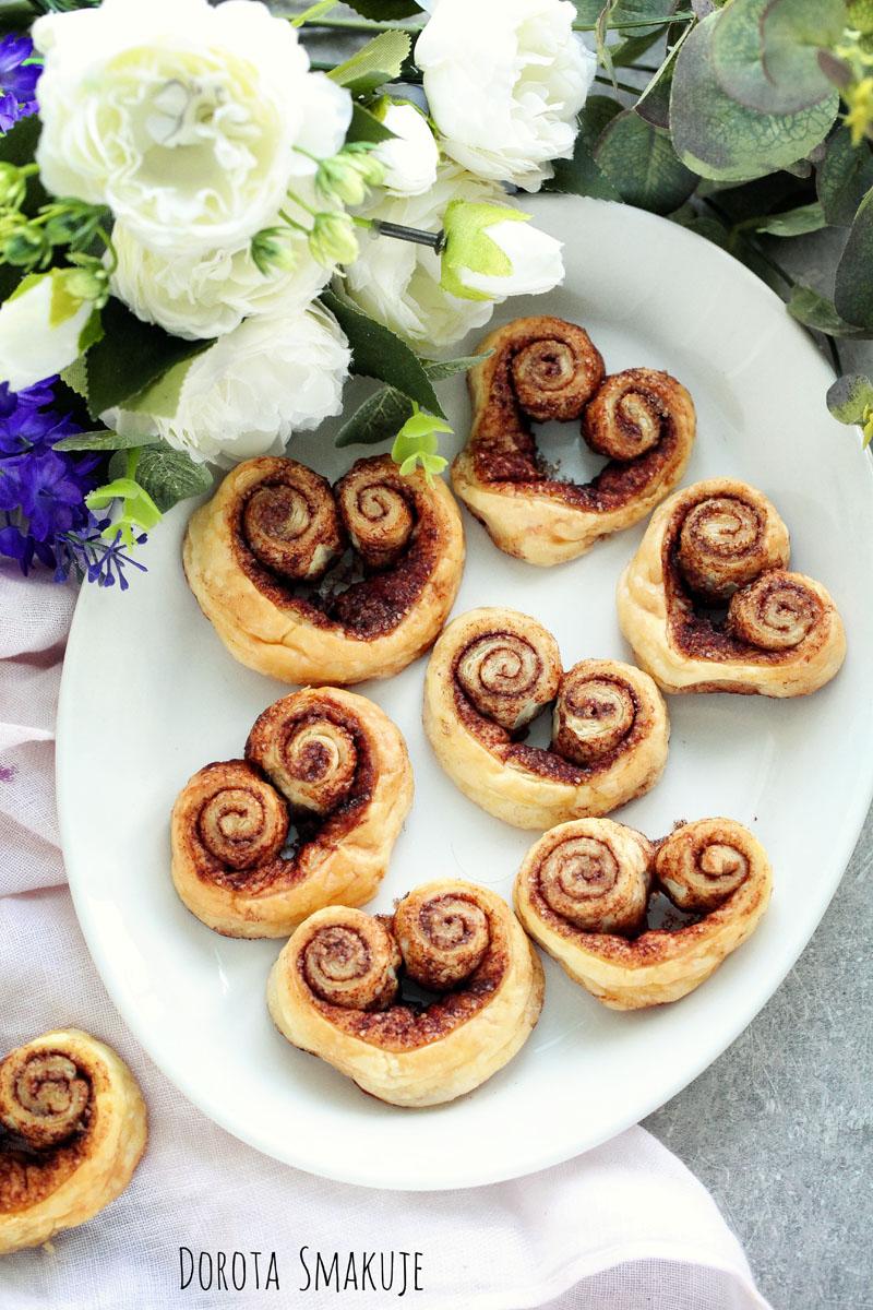 Serduszka z cynamonem - ciastka francuskie na Walentynki