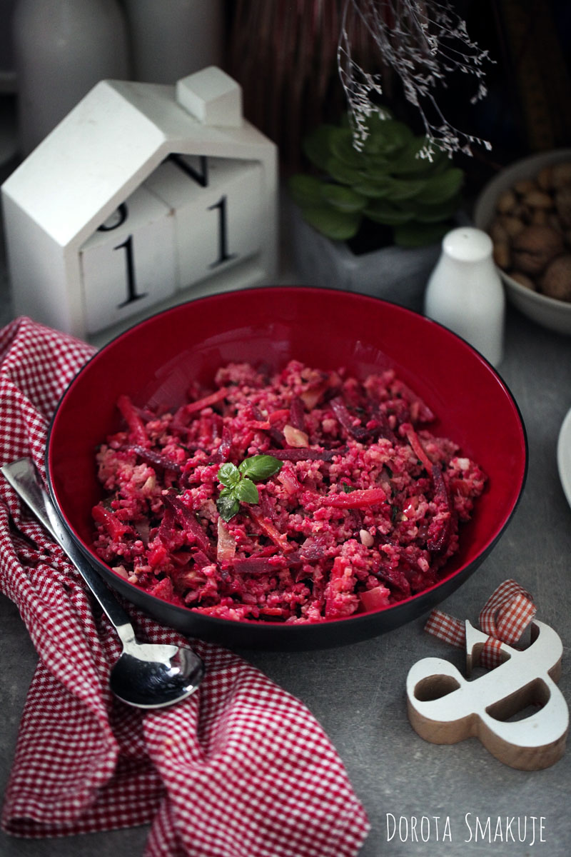Buraki stir fry z ryżem i tuńczykiem