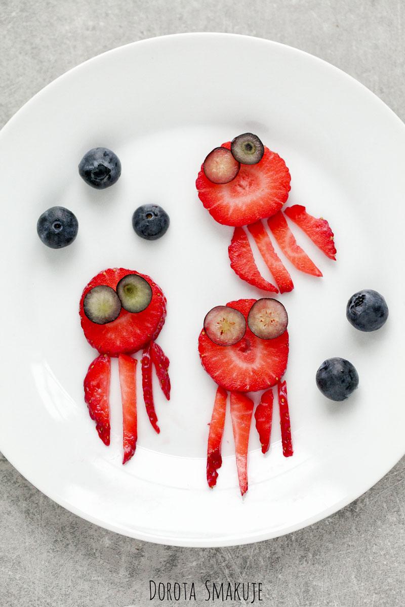 Przekąska dla dzieci - Ośmiorniczki z truskawek