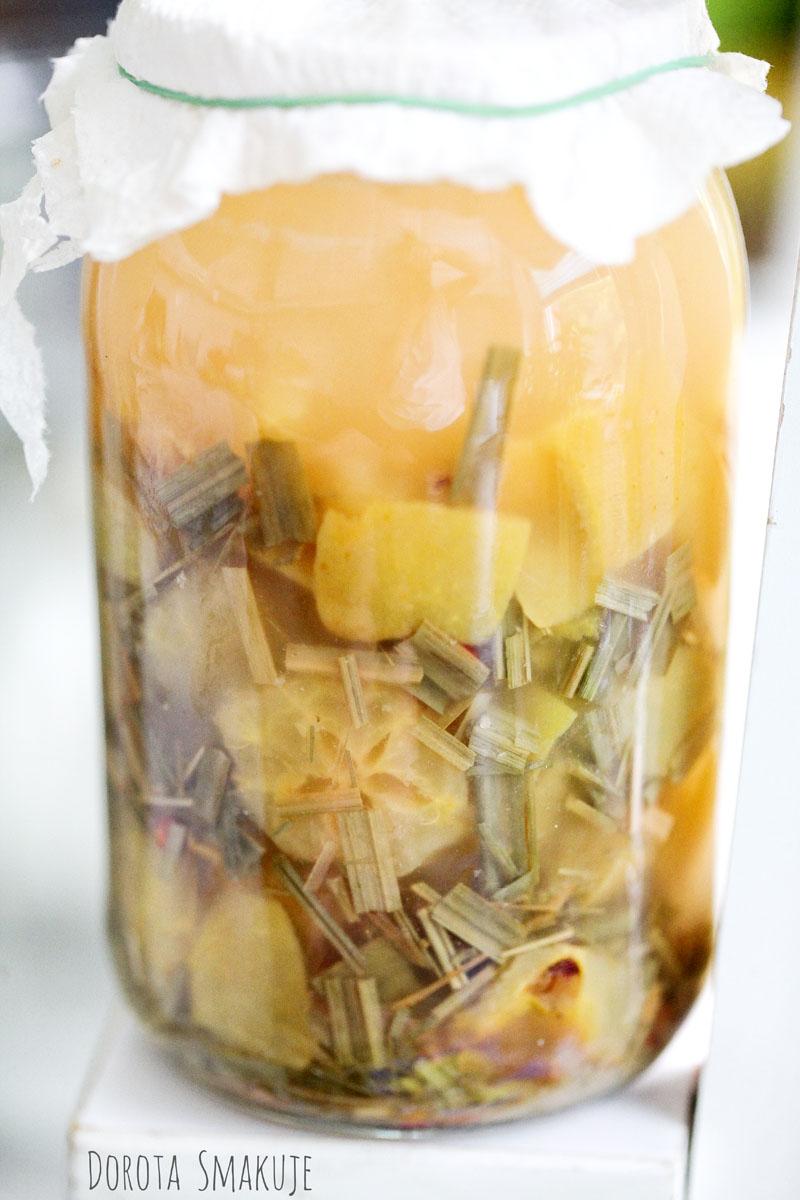Ocet jabłkowy z trawą cytrynową