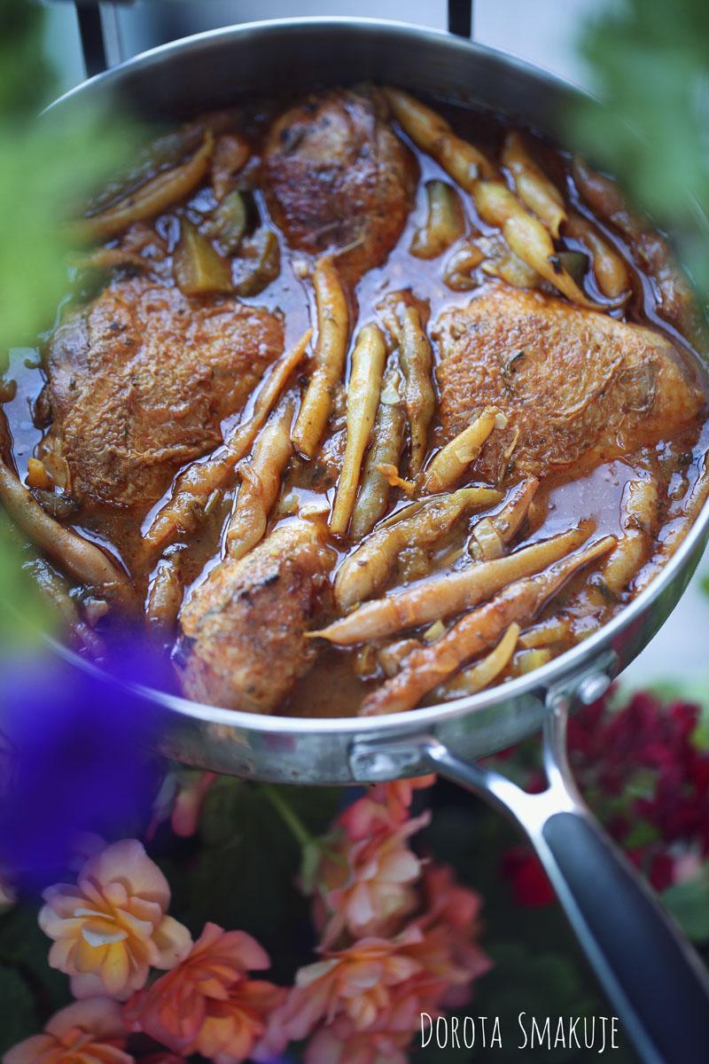 Duszony kurczak z fasolką