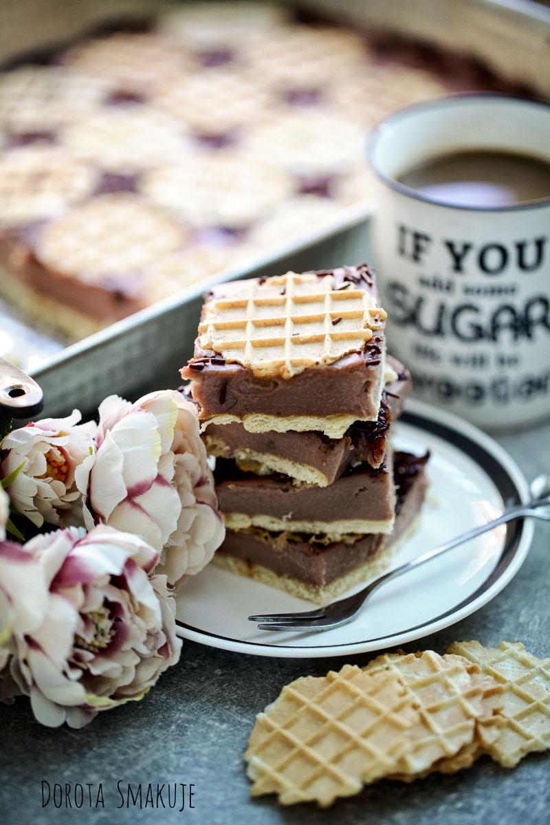 Napoleonka czekoladowa na wafelkach