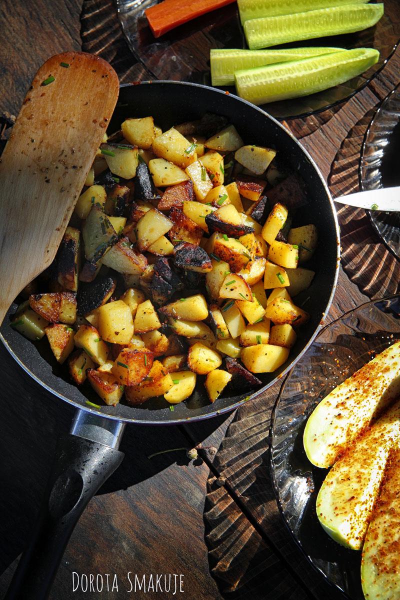 Ziemniaki smażone na patelni