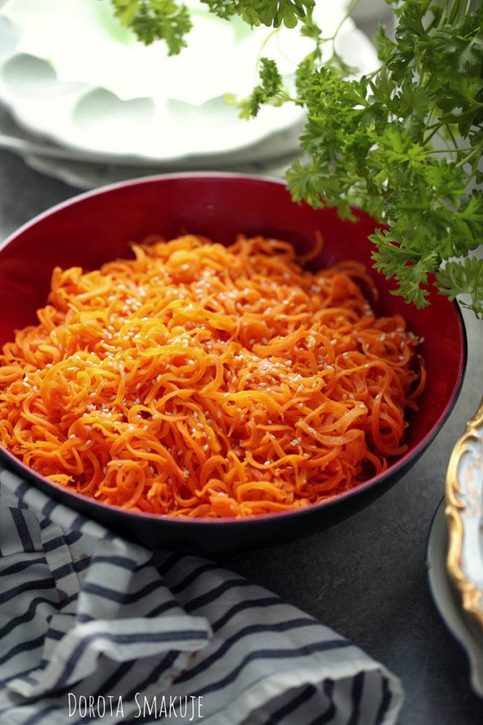 spaghetti z marchewki na masle
