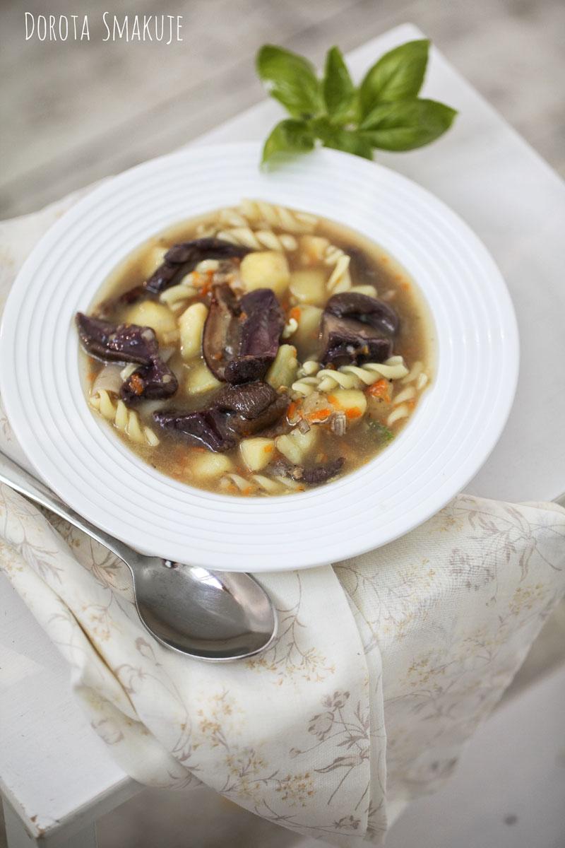 Zupa grzybowa z pesto