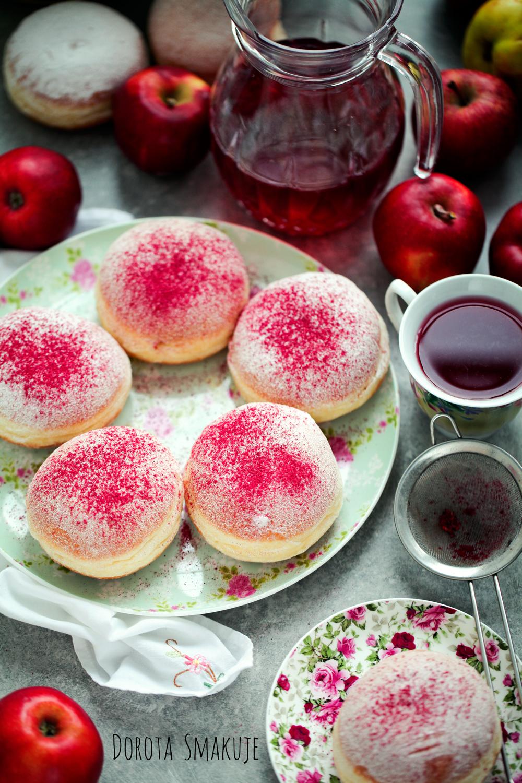 Pączki z pudrem różowym