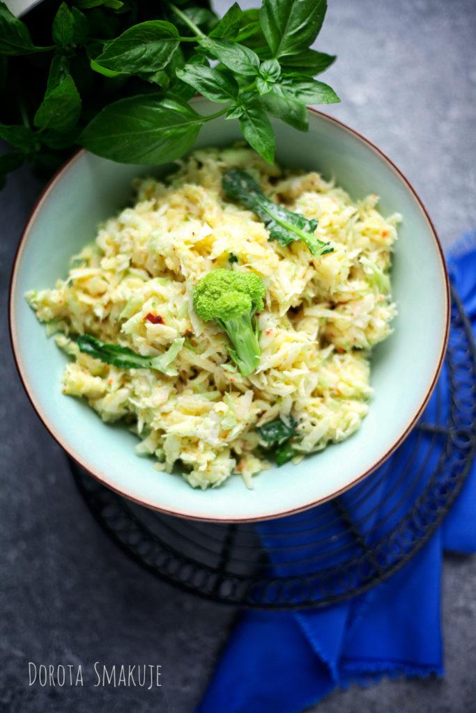 Surówka z łodygi brokuła