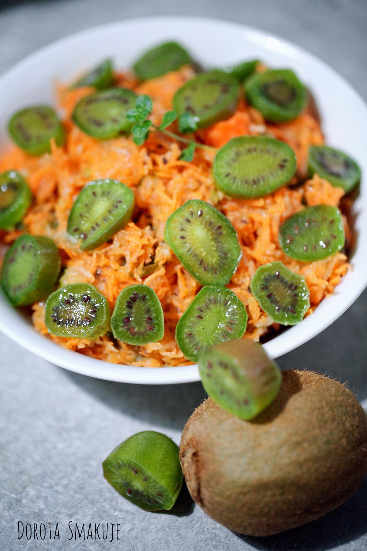 surówka z marchewki z mini kiwi